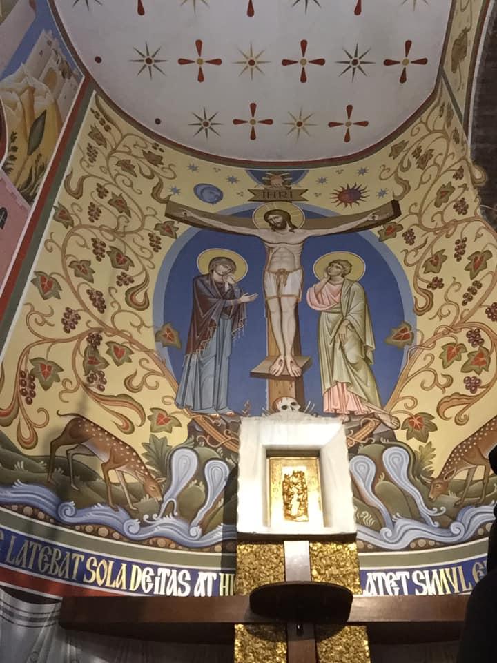 """Gesù allora, vedendo la madre e accanto a lei il discepolo che egli amava, disse alla madre: """"Donna, ecco tuo figlio!"""". Poi disse al discepolo: """"Ecco tua madre!"""" (Giovanni, 19, 26 - 27a)"""